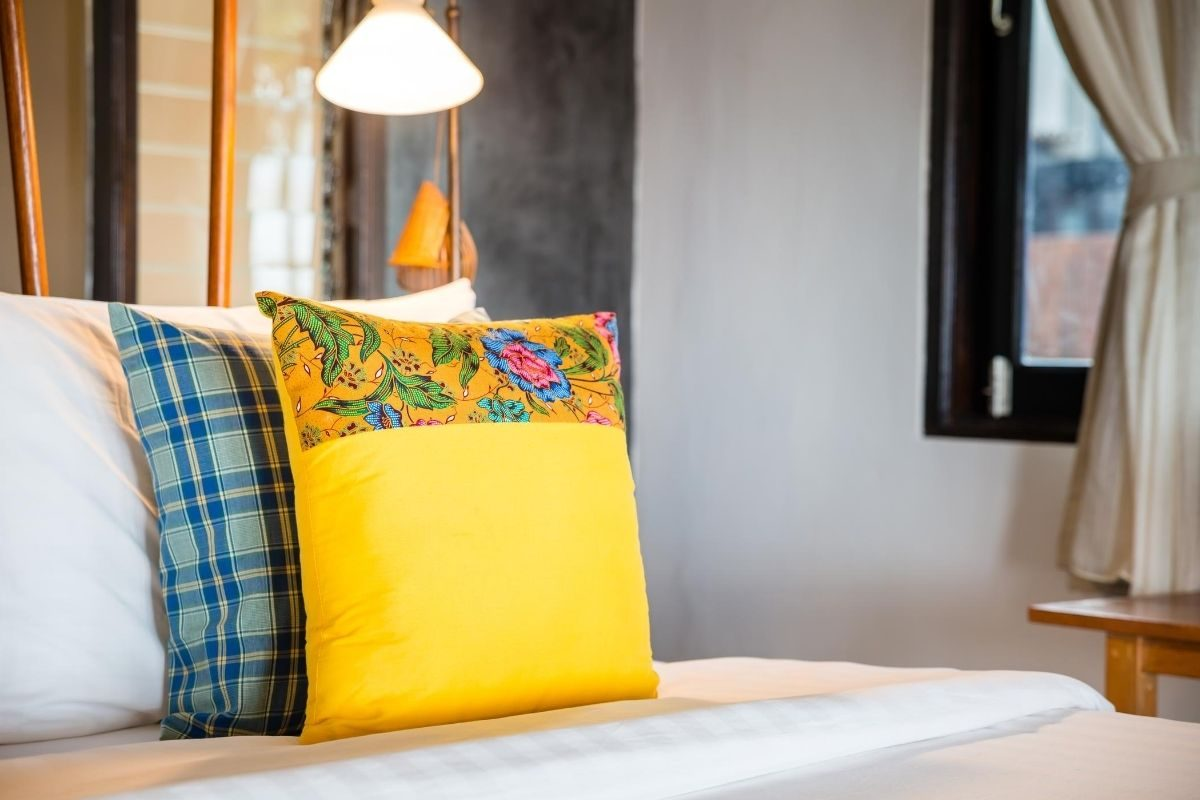 What To Do With Old Pillows, Tips to Recycle At Home