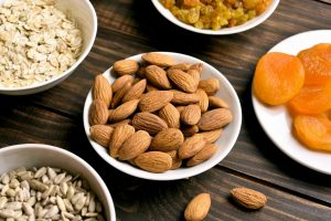 7 Best Healthy Snacks On The Go