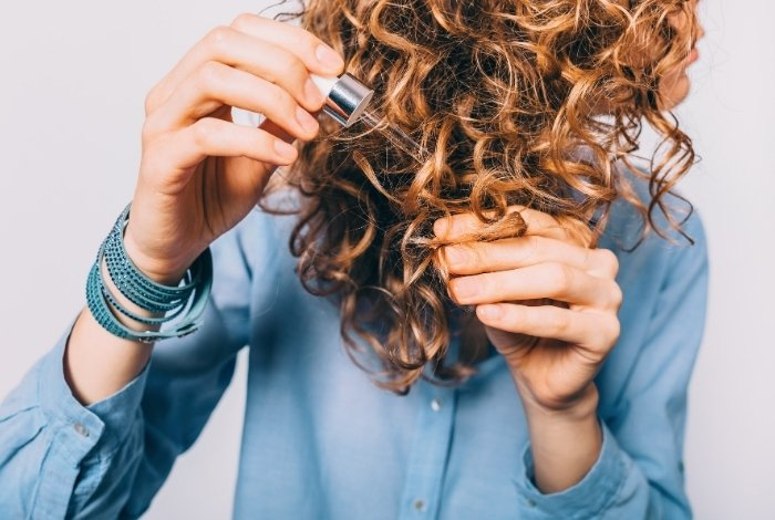 How to Use the DIY Hair Growth Serum